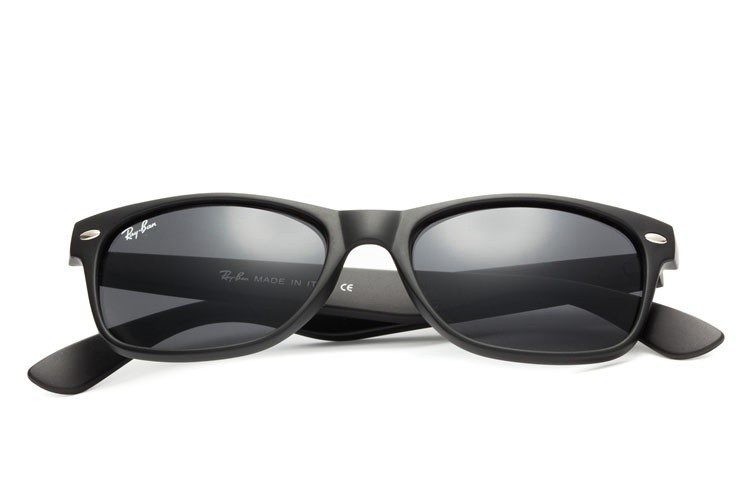 RB2132 New Wayfarer Classic Black Sunglasses